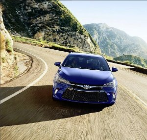 Demands respect at every corner 2017 Toyota Camry