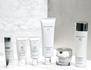 Up to 11-pc Gift CRESCENT WHITE COLLECTION @ macys.com