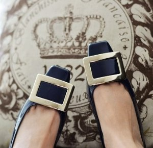 Last Day! Earn Up to a $700 Gift Card Roger Vivier Shoes Purchase @ Saks Fifth Avenue