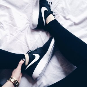 Extra 20% Off Roshe Shoes @ Nike.com