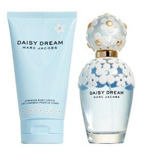 $85 MARC JACOBS 'Daisy Dream' Set ($141 Value)