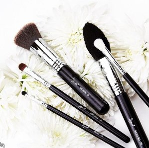 20% Off + Gift with Purchaseon $60 Orders of Sigma Beauty and Peter Thomas Roth @ B-Glowing