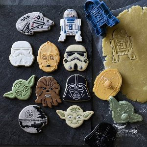 Williams-Sonoma Star Wars™ 8-Piece Cookie Cutter Set | Williams-Sonoma