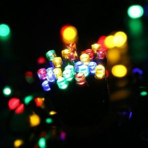 LuckLED E7Z1UASE 200 Solar Powered LED String Lights 72-ft Multi-Color