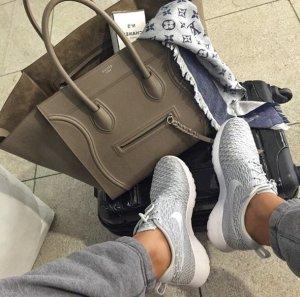 $75.98 NIKE ROSHE FLYKNIT WOMEN'S SHOE @ Nike Store