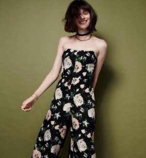 Up to 70% OffSale @ Club Monaco