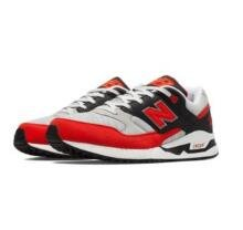 $30Select Men's and Women's Shoes and More @ Joe's New Balance Outlet