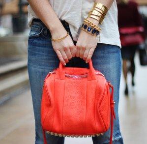 Extra 25% OffDesigner Handbags @ Yoox