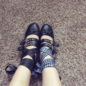 穿上芭蕾舞鞋今天我就是小可爱(··)跟某大牌简直一毛一样.
