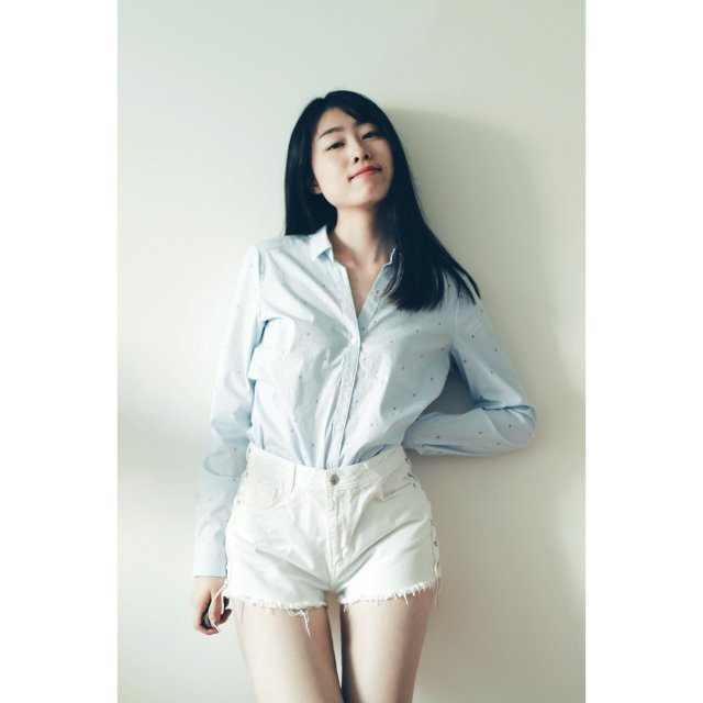 今天逛h&m发现的超可爱条纹小衬衫 虽然家里光线太烂但还是想来分享给