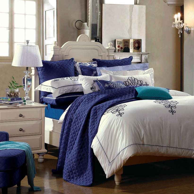 4-Piece Bedding Set / Charming (Duvet Cover, Bed Sheet, Pillowcases)