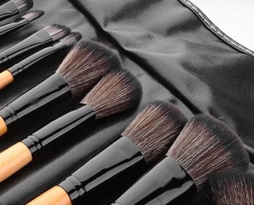 Ellóre Femme 24-Piece Professional Makeup Brush Set