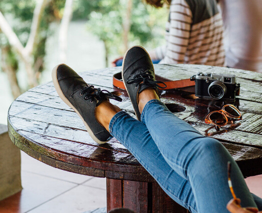 TOMS Paseo Black Synthetic Leather Shearling
