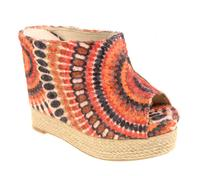 Up to 50% OffWedges @ Chinese Laundry