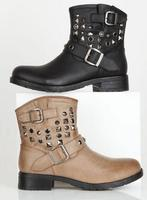 Up To 50% OffSelect Boots @ dELiA*s