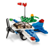 Upcoming! Freeto Build a LEGO Racing Plane @ LEGO Brand Retail