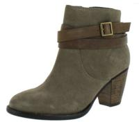 Up to 85% OffSeveral Steve Madden Styles Sale for $29.99 @ Street Moda
