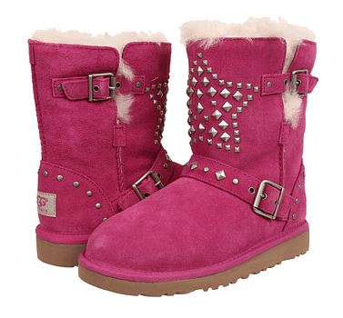 Up to 62% OFF + Extra 15% OFF Big Kids UGG @ 6PM