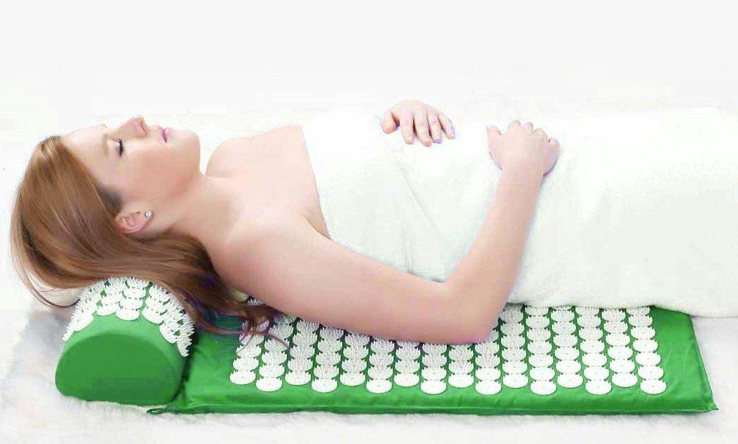 $23.99 HemingWeigh Complete Acupressure Mat and Pillow Set with Bonus Carry Bag