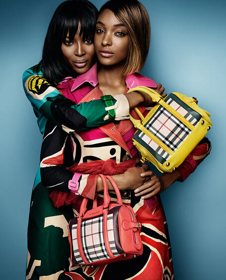 $125 Off $500 Burberry Handbags Purchase @ Neiman Marcus