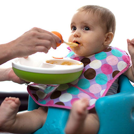 Lansinoh mOmma Mealtime Developmental Meal Set @ Amazon