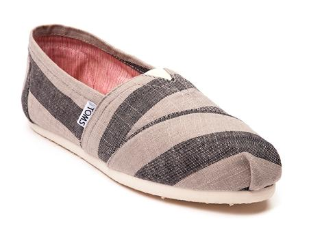 Free Shipping on Orders over $39.99when You Purchase TOMS @ Journeys