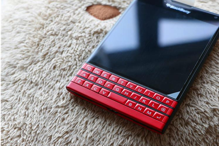 $499 BlackBerry Passport - Factory Unlocked Smartphone(4G LTE)