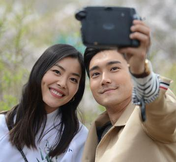 Celebrity Styles from Siwon Choi & Liuwen @ multiple stores
