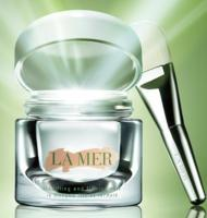 Up to $700 Gift Card with La Mer Beauty Purchases +Tote filled with  travel-size samples @ Saks Fifth Avenue
