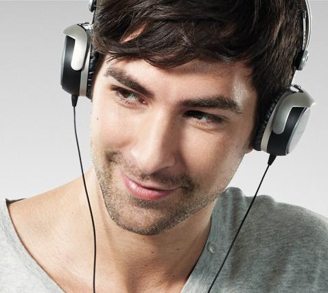 $149.99 Beyerdynamic DT 1350 Closed Supra-Aural Dynamic Headphone