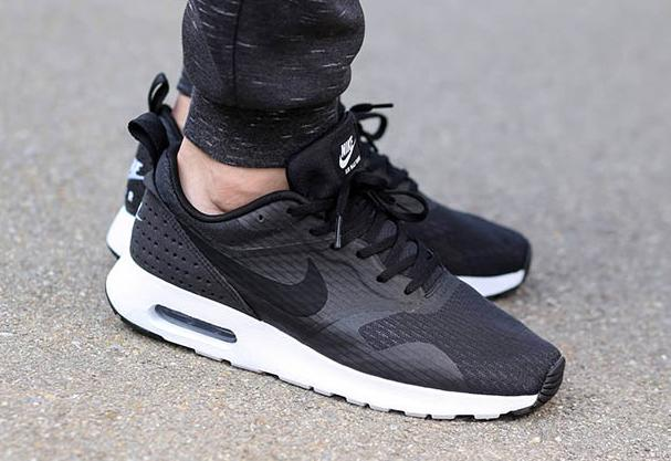 Up to 75% Off +Up to Extra $20 Off Sale Items @Foot Locker