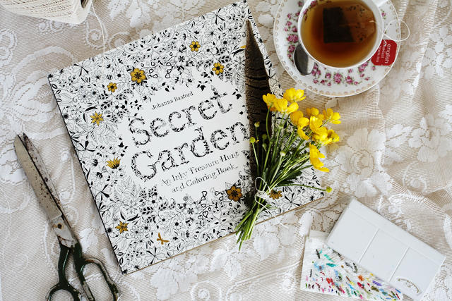 $10.62 Secret Garden: An Inky Treasure Hunt and Coloring Book