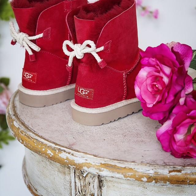 Up to 70% Off UGG Boots Sale @ 6PM.com
