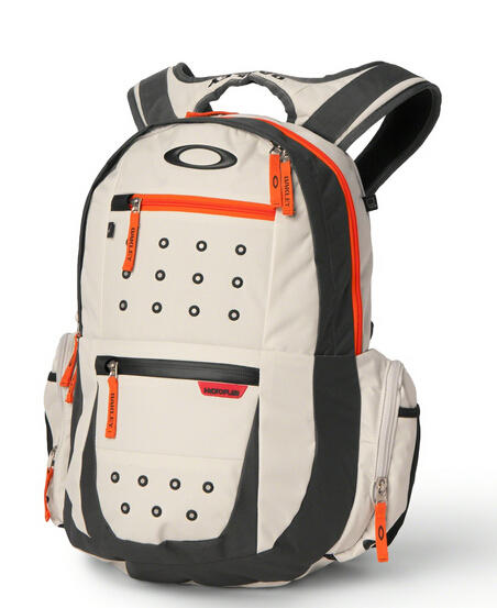 Extra 40% Off Oakley Vault Bags and Accessories