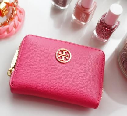 Up to 70% Off Wallets @ Tory Burch