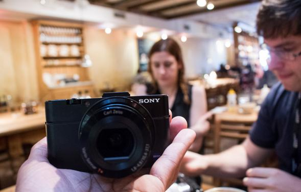 Refurbished Sony Black DSCRX100M2COS Digital Camera with 20.2 Megapixels and 3.6x Optical Zoom