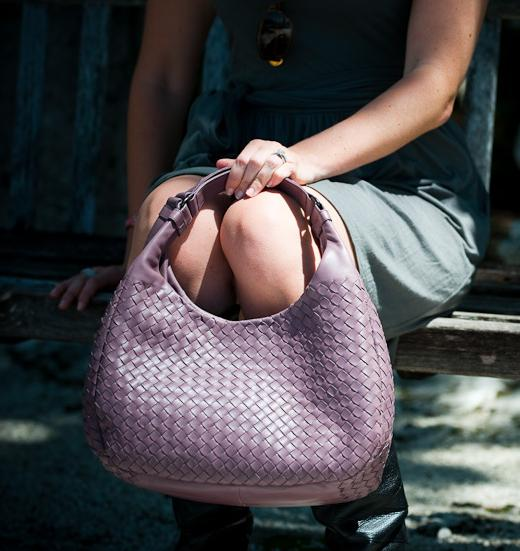 Up to 50% Off Bottega Veneta Women Handbags & Accessories @ Rue La La