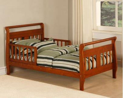 Baby Relax Toddler Bed in Walnut