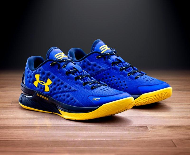 In stock! $109.99 Mens Under Armour Curry One Low Basketball Shoes