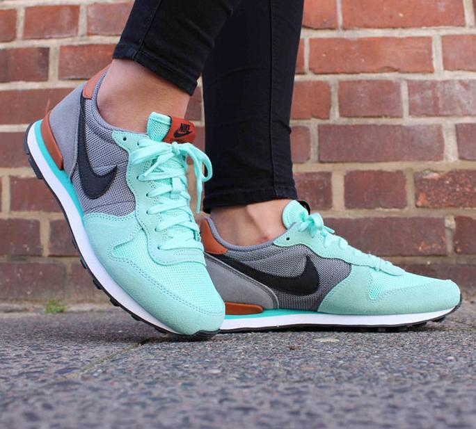 Men's & Women's Nike Internationalist @ Nike Store