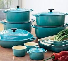 Up To $900 Gift Card Le Creuset @ Saks Fifth Avenue