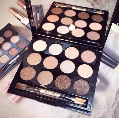 $49 Bobbi Brown Sandy Nudes Shimmering Sands Eye Palette @ macys.com
