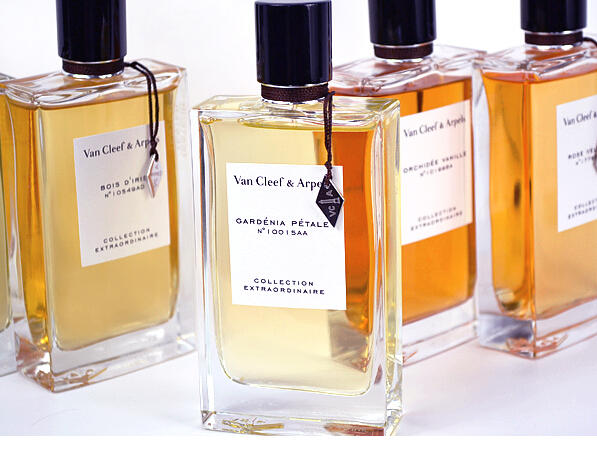 Up to $300 Gift Card with Van Cleef & Arpels Eau de Parfum Purchase  @ Bergdorf Goodman