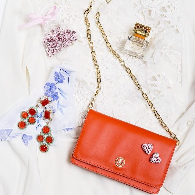 Up to a $300 GIFT CARD with Regular Priced Tory Burch Handbags Purchase @ Neiman Marcus