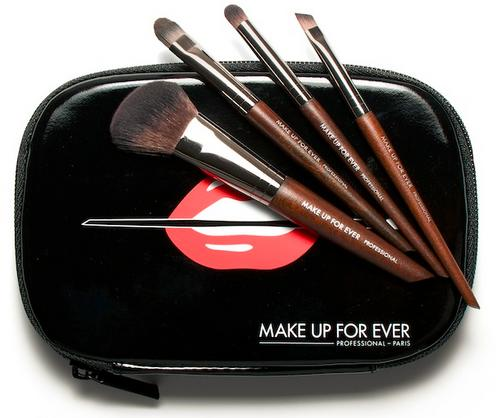 MAKE UP FOR EVER Travel Brush Set($111.00 value)