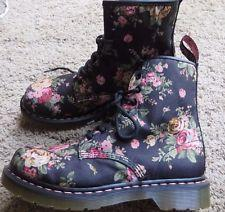 From $43.5 Dr. Martens Women's 1460 Re-Invented Victorian Print Lace Up Boot @ Amazon.com