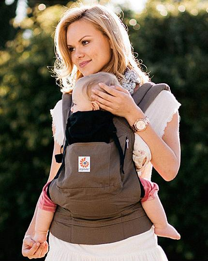 Up to 45% Off  Ergobaby Carriers On Sale @ Zulily.com