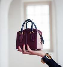 Up to 44% OffTod's Handbags on Sale @ Belle and Clive