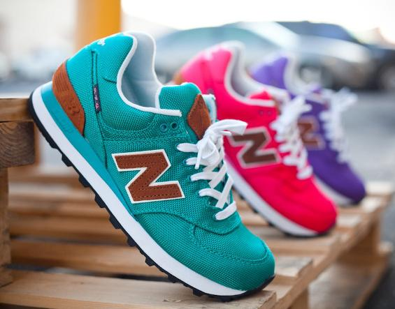 Up to 60% Off New Balance Classics Women's  Sneakers On Sale @ 6PM.com