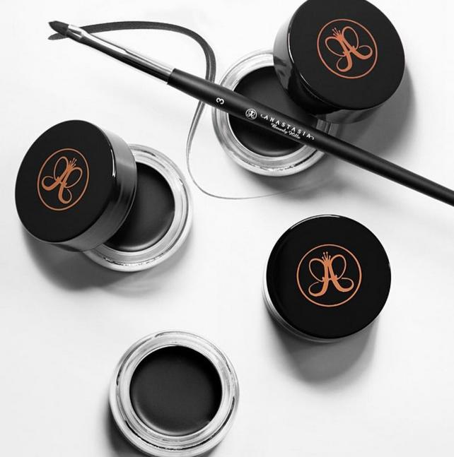 20% Off + Free Brow Beauty Bag ($15 Value) with any Anastasia Beverly Hills purchase of $40 or more @ Skinstore.com